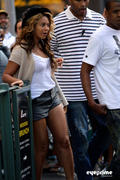 th 77063 beyonce eyeprime 94 122 244lo Beyonce & Jay Z leave a Restaurant after Lunch in New York, Sep 11, 2010