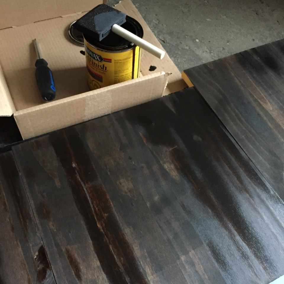 Staining_Wood