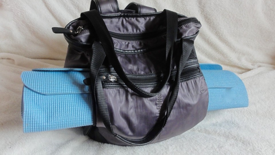 Fitness_Friday_Lolë_Lily_Tote_Bag_Multi_Strap_Yoga_Mat_Computer_Pouch
