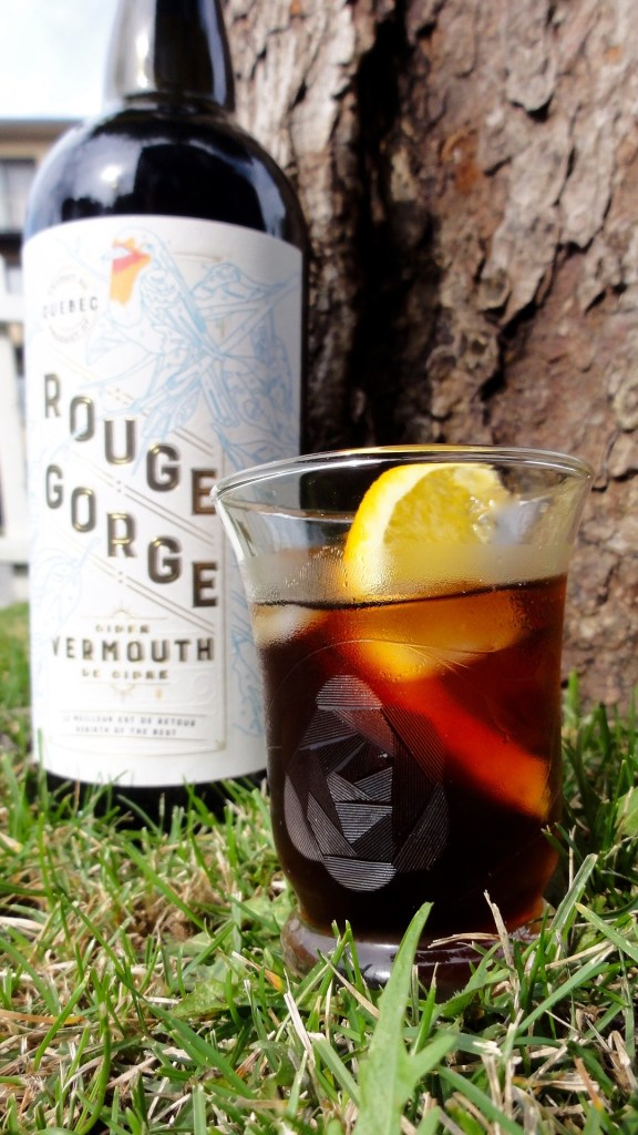 Serving_Rouge_Gorge_Les_Vergers_LaFrance_Quebec_Cider_Vermouth