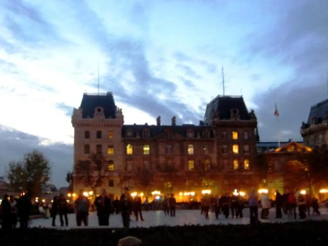 Notre- Dame Paris Seine