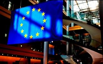 EU demands legally-binding climate deal