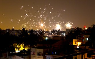 Gasping Delhi awaits Diwali pollution explosion
