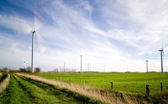 Wind power industry seeks extended incentives