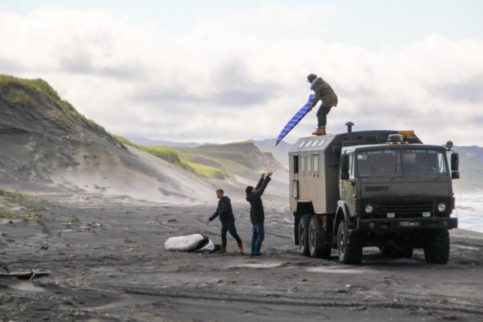 surfing_russia Kuril Islands military ©Elisarieva-Tatiana