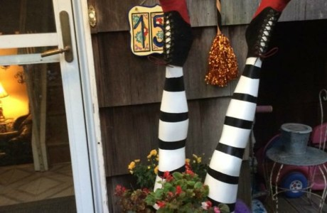 DIY Wicked Witch Legs Halloween Decor