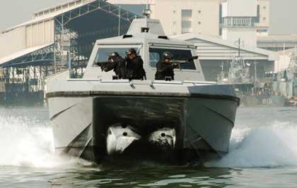 Combat_boat