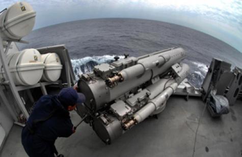 Peluncur torpedo B515 pada KRI Diponegoro 365