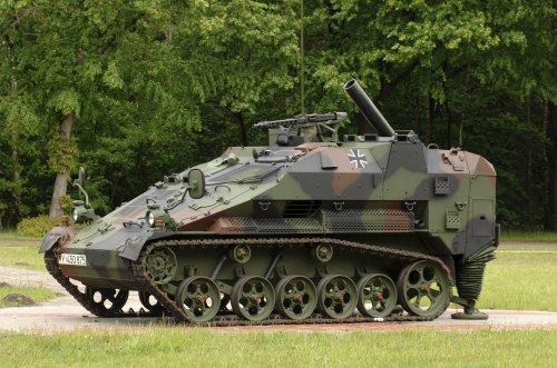 Wiesel 2 varian mortir 120mm.