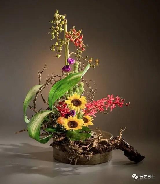 東方式插花中的寫景式插花,兼具形色之美!