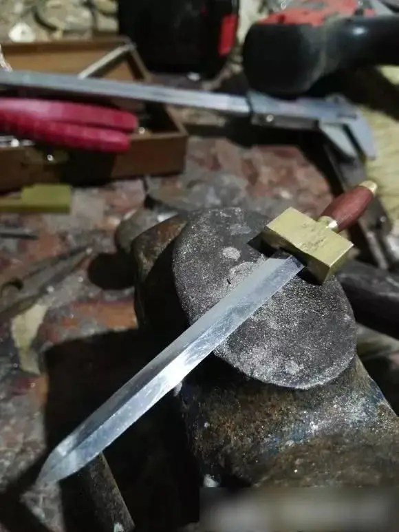 這麼討喜的元寶劍,是怎麼一步一步手工製成的?