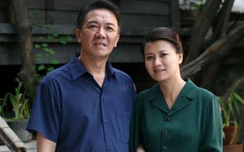 59歲李幼斌近照,曾拋棄17年髮妻,如今為前妻買房又送車