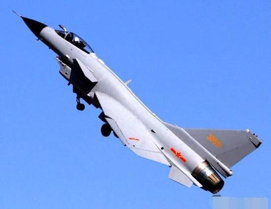 先買中國潛艇,再買中國戰機,這個國家最愛中國裝備