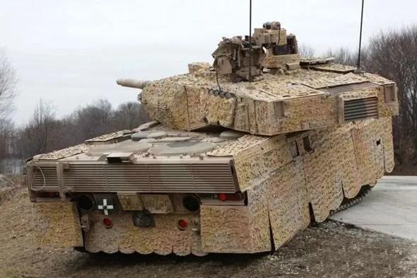 坦克車的顏色和裝甲都是選用十分有特點的