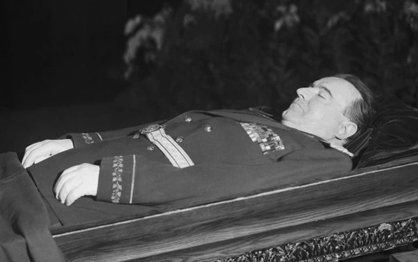 攝影紀實:各國領導人水晶棺裡面的照片!