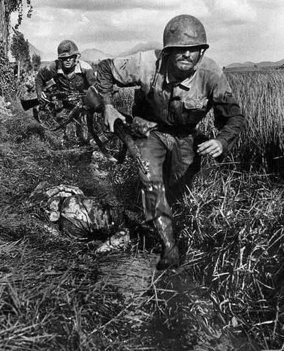 老照片記錄朝鮮戰場中美軍的迷茫與絕望