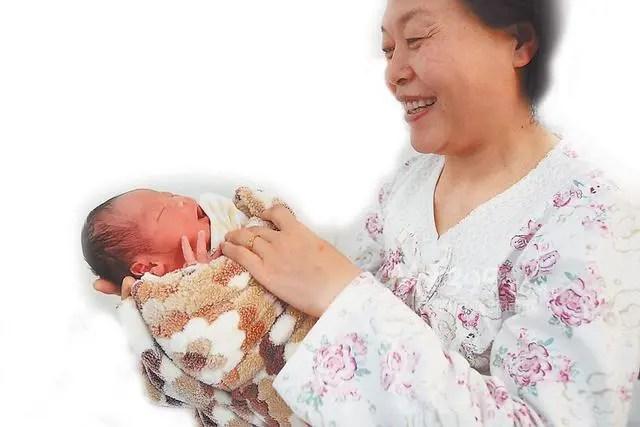 兒媳「難產」大出血婆婆卻這樣做,真想狂扇她幾把掌