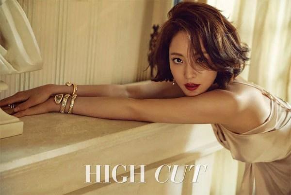 韓藝瑟為雜誌《HIGH CUT》拍攝寫真 用華麗的珠寶腕錶首飾裝點出精緻的妝容