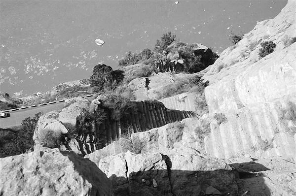 河津發現北魏時期梯子崖