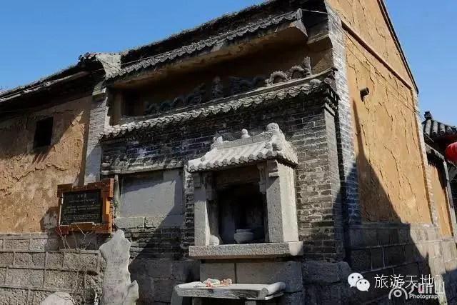 你見過世界上還有比它們更小的廟宇嗎?