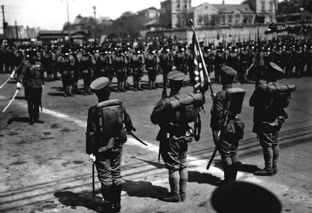 1945年,日本投降後,40多萬滿洲國軍隊去哪了