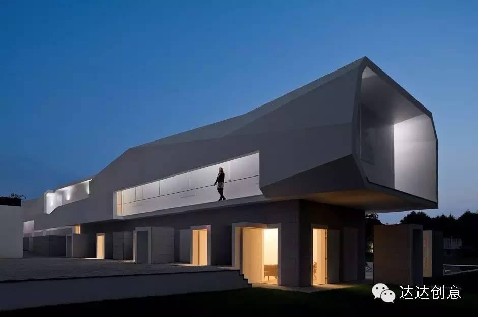 達達建築之-世界優秀建築設計賞析-波爾圖別墅-álvaro Leite Siza