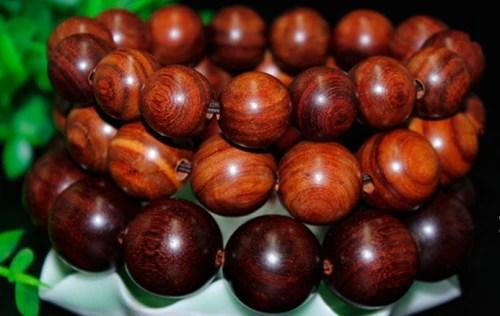 紫檀百科網:小葉紅檀和小葉紫檀的區別