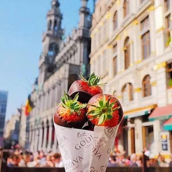 吃貨界的第一網紅帶你吃遍各國街頭美食!這才是旅行真正的意義!