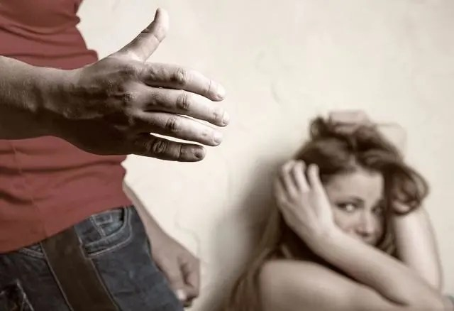 男人只要對女人做了這5件事,她們死也不會再跟在一起了!