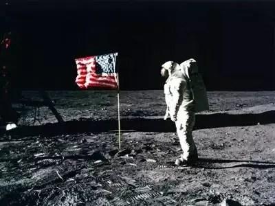 想知道月球上的美國國旗怎麼樣了嗎?