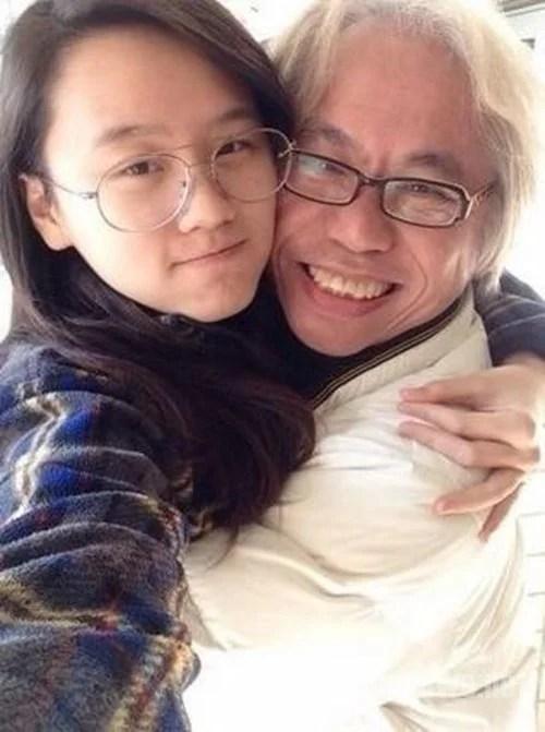 爺孫戀有情人成眷屬,自拍秀恩愛!網友:愛情的力量真的很大!