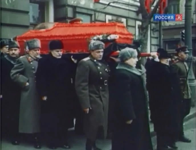 斯大林的葬禮現場 斯大林的去世才膨脹了美國的野心