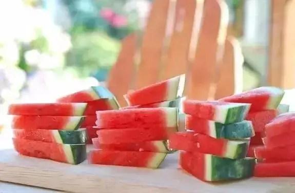 西瓜蓋上保鮮膜細菌增10倍?正確保存方法看這裡!