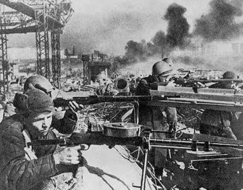 二戰中那些傳世的經典照片