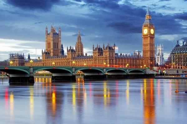英國人用哪些理由來勸說自己的學生出國讀研呢?