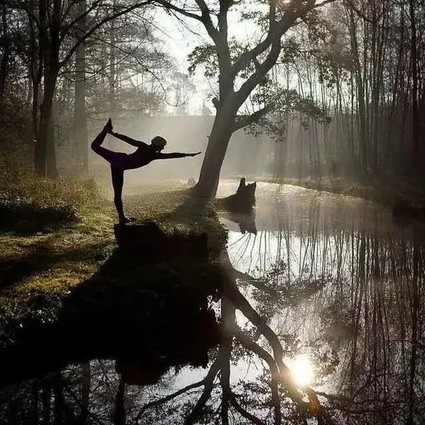 瑜伽不是跟自己的身體較勁,而是接納和堅持!