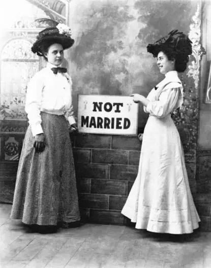 在美國,剩女也會被催婚嗎?