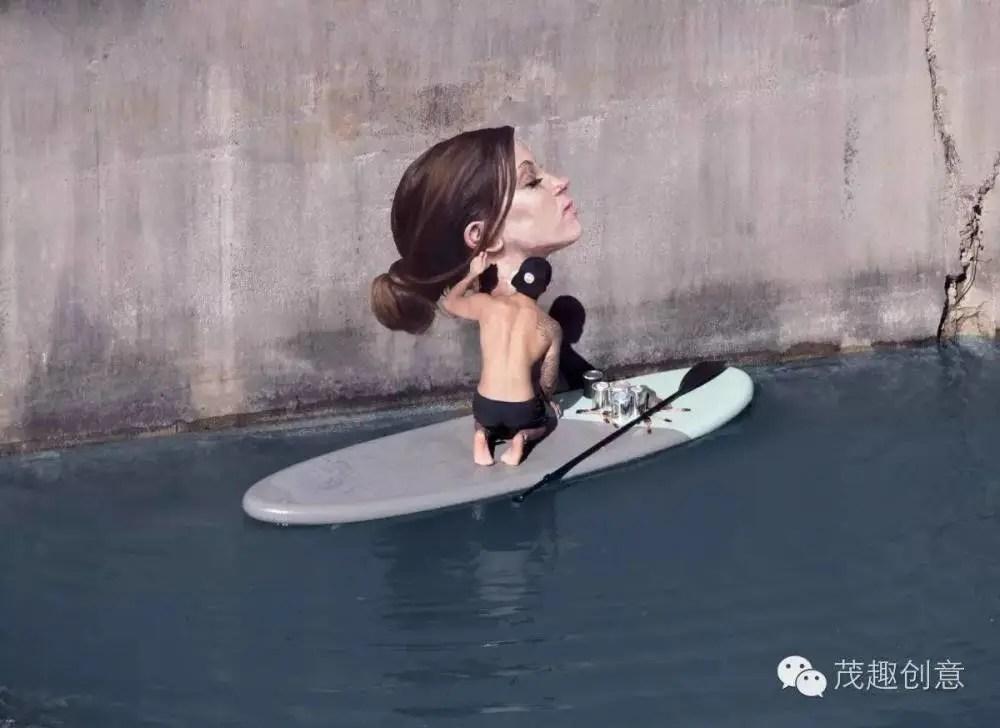 在水溝里沐浴的女孩,他為冷漠的城市注入了深刻情感