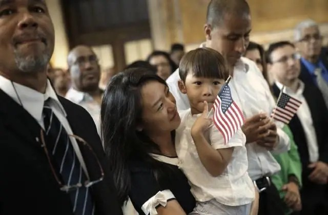 警惕!華人上當移民騙局 一年就能拿美國綠卡 真有這樣的好事嗎?