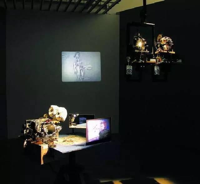 """電影轉向""""-2000年以來的中國錄像藝術"""