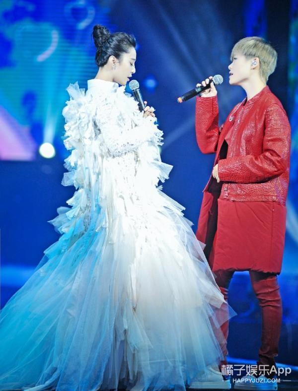 當范冰冰和李宇春同台,為什麼從顏值到衣品都有種蜜汁CP感!