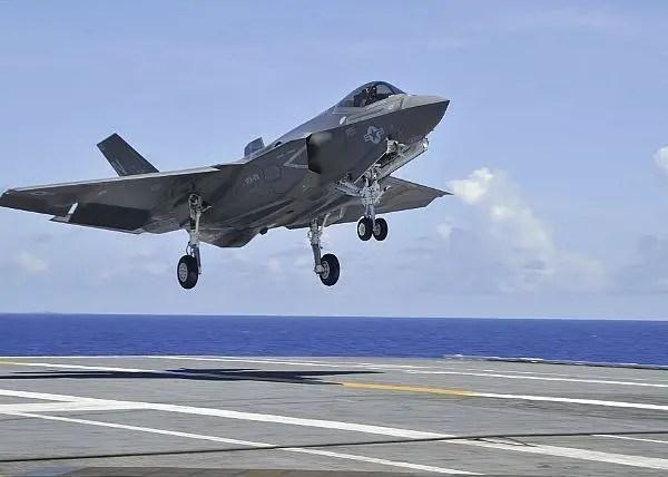 如果美國空軍和美國海軍兵戎相見,誰會贏?