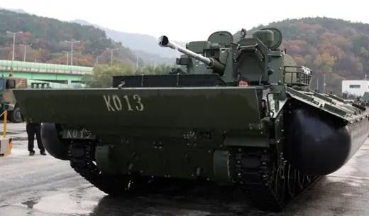 韓國花費9600萬美元研製出了K-21步兵戰車