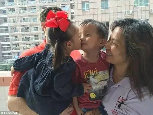 他們在中國孤兒院里分開,一年後在美國重遇,這對好朋友有了最美好的結局。