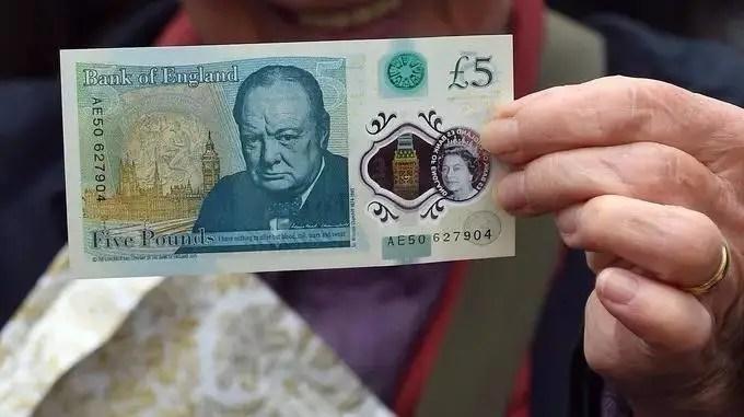 牛!腐國發行塑料鈔票,這下可以把錢都拿出來洗洗了