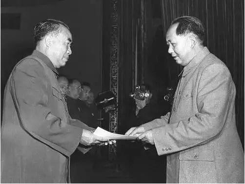 元帥授銜時,毛主席對朱德元帥說了什麼?