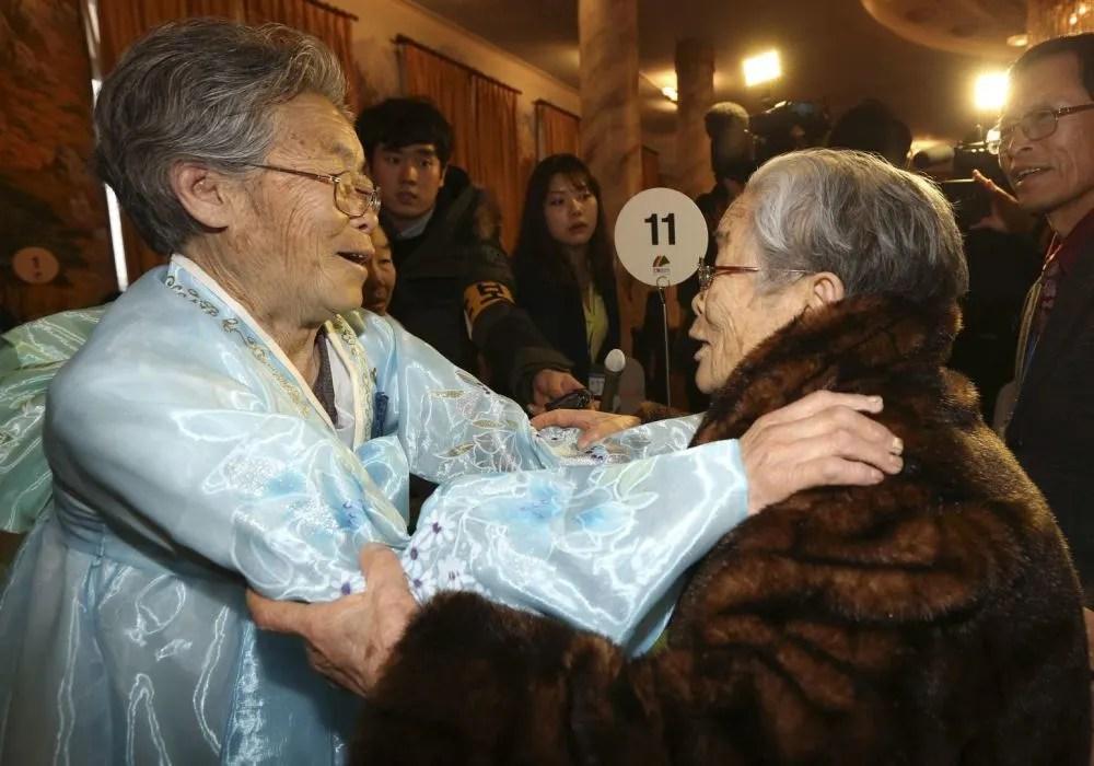 講不出再見,此生再難見,直擊朝韓家屬會面感人現場