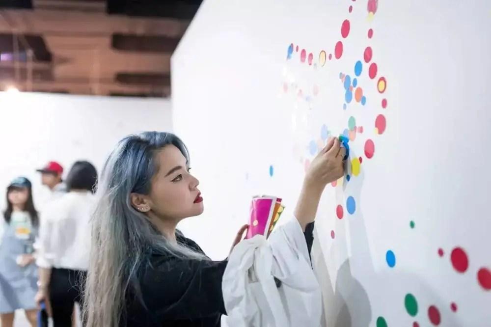 「霓虹藝術季」揭幕,日本當代藝術大師原作首現成都