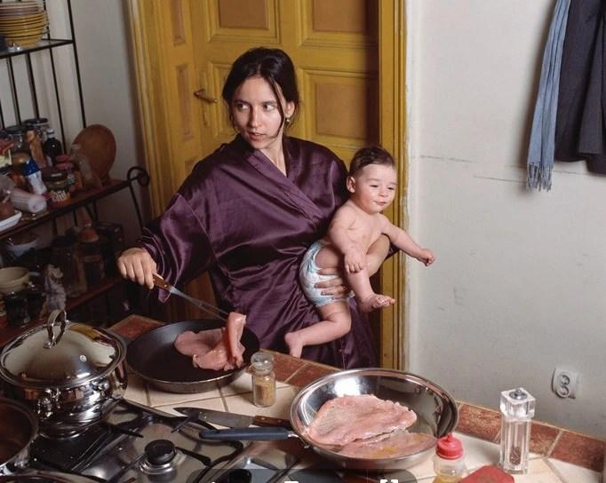 家庭主婦很悠閑?看看這些照片,你就知道她們有多累