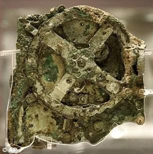 希臘小島海底沉船內發現2000年前人骨